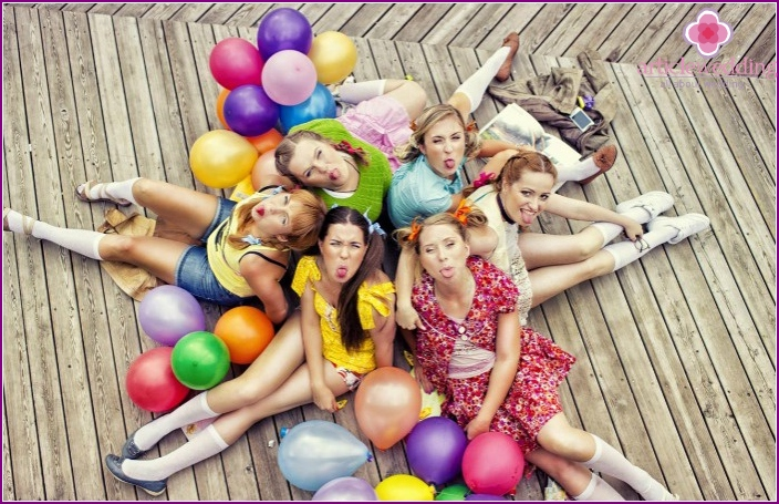 How to spend a bachelorette party in a children's style