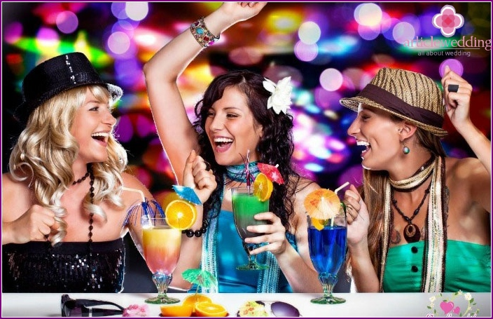 What to choose for a bachelorette party - a cafe, a bar, a club?