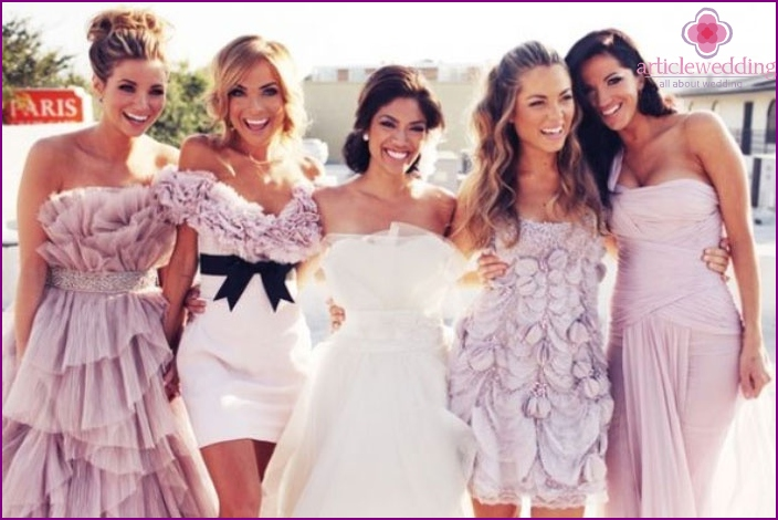 Dresses bridesmaids of different lengths