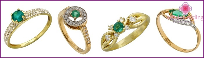 Photo: gold rings with stones