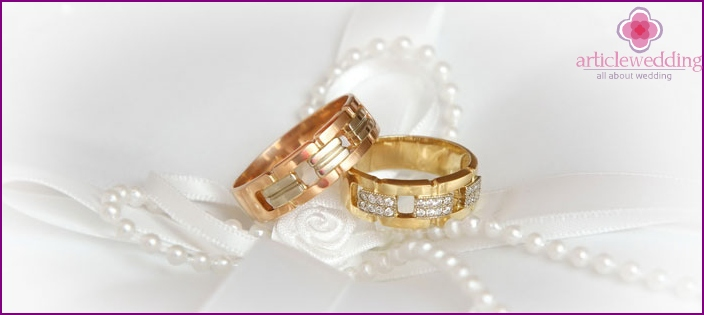 Signs associated with wedding jewelry