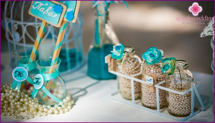 Wedding table decor in nautical style