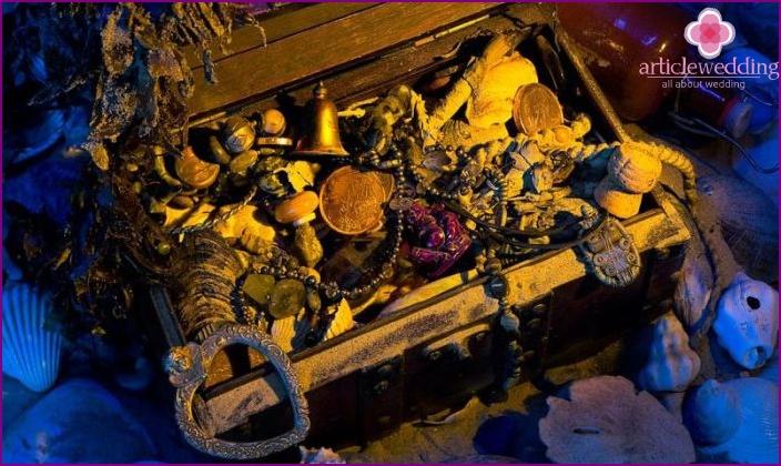 Props marine redemption: Pirate Treasure Chest