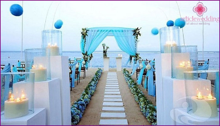 Wedding decor on the coast