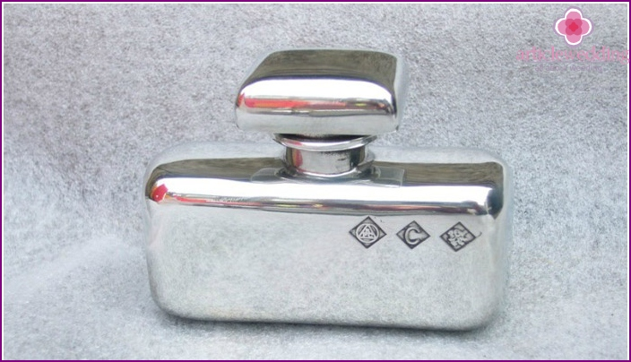 Pewter flask - beautiful Present