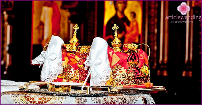 Gifts for the wedding in the church
