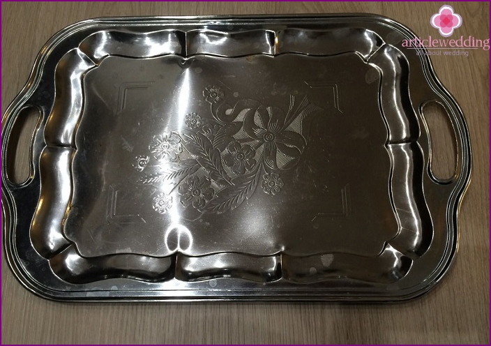 Beautiful tray on wedding anniversary