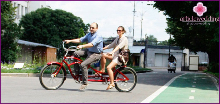 Walking on a tandem bike