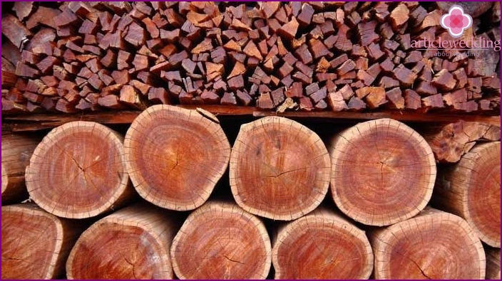 Dear and strong material - mahogany