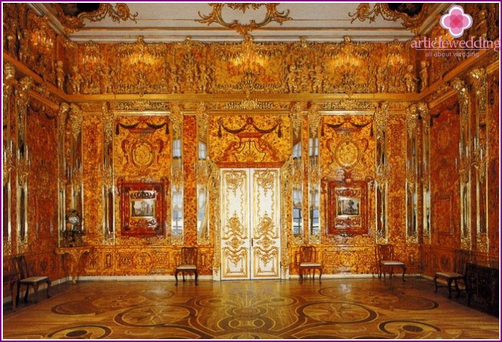 The magnificent beauty of the place - the Amber Room