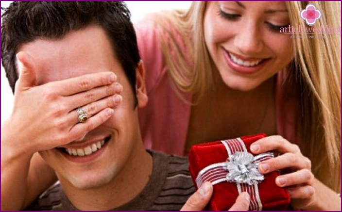 Surprise loved to fifth wedding anniversary