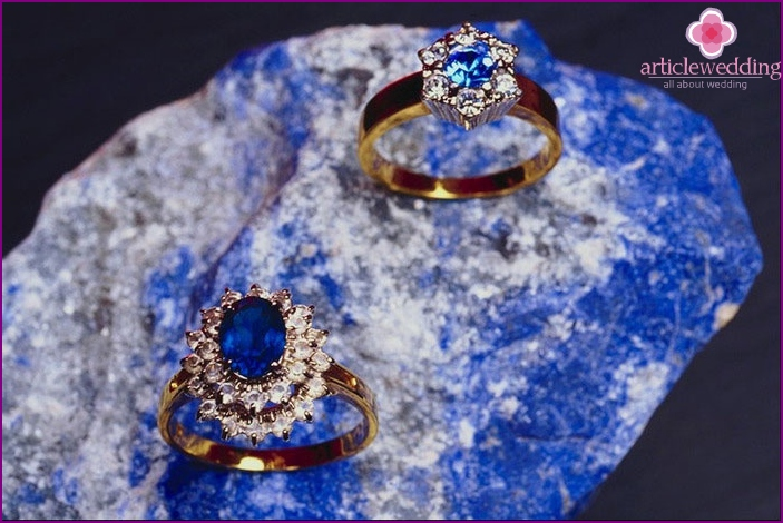 Wedding rings with sapphire - attribute wedding anniversary