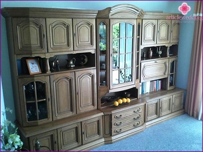 Oak furniture octogenarian wedding anniversary