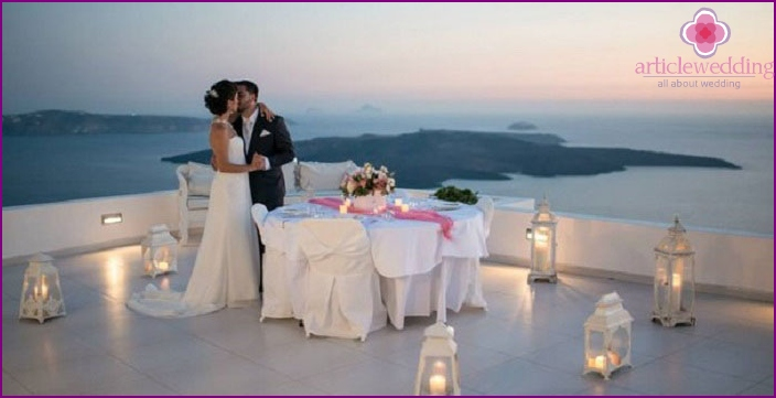 Romantic dinner for a small wedding