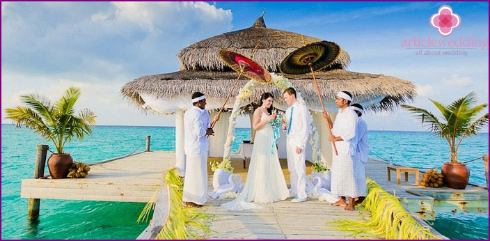 The symbolic wedding ceremony in the Maldives
