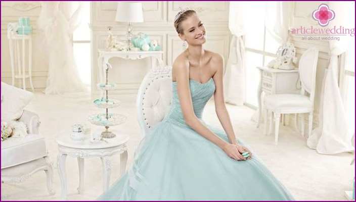 Wedding Dress in a trendy color in 2016