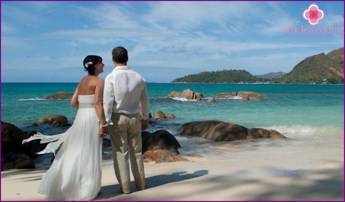 Tropical Seychelles Islands wedding ceremony