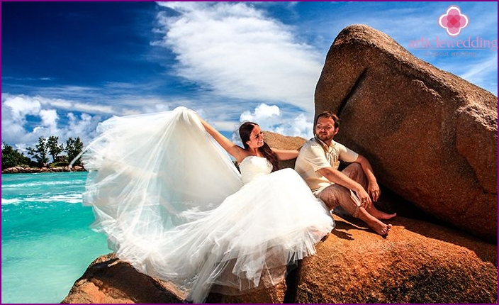 The symbolic wedding ceremony in the Seychelles