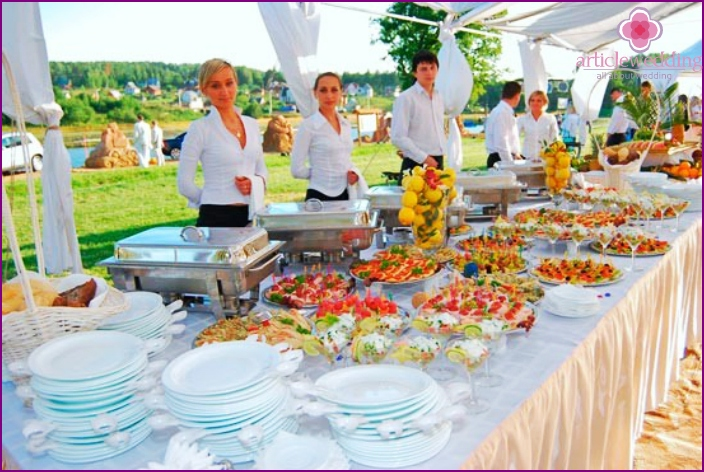 Catering for wedding in nature