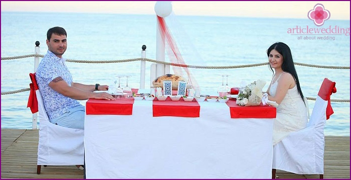 Symbolic wedding in the Turkish resort