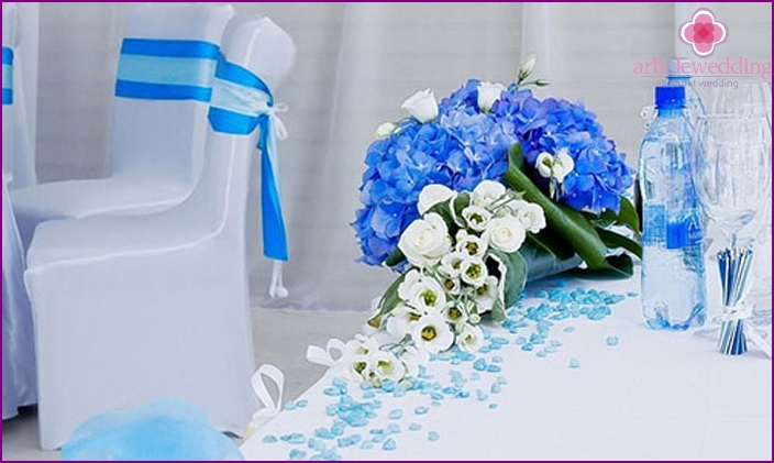 Decor room for the wedding in a blue tone