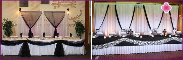 Black-and-white decor of the wedding hall