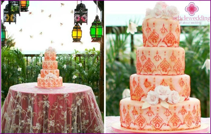 Great cake decorated in a Moroccan style
