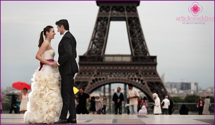 Paris themed wedding