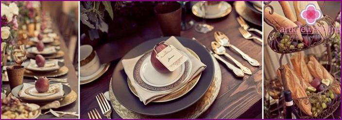 Festive table decor in shades of grape