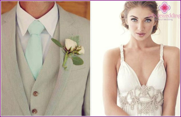 Stylized under the Empire dresses the bride and groom