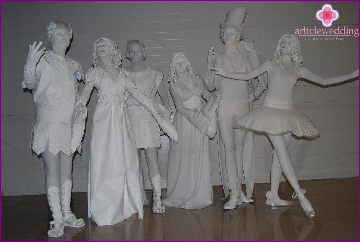 Revived sculptures for wedding