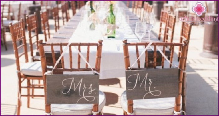 Signatures on chairs decorate any celebration
