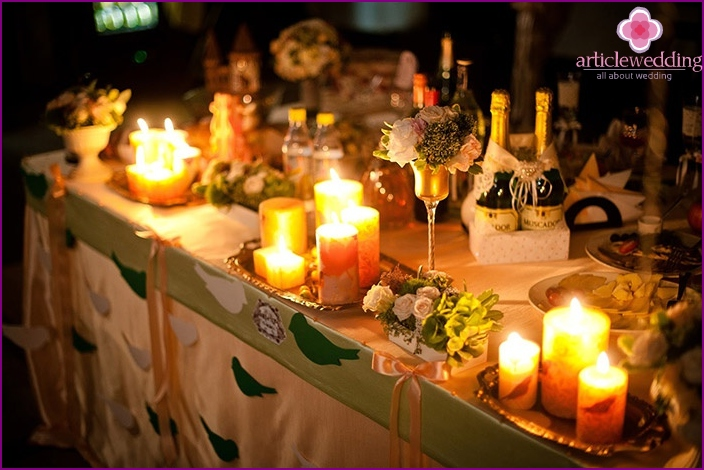 Romantic wedding table decoration