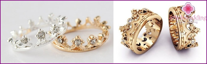 Rings in the form of a crown for newlyweds