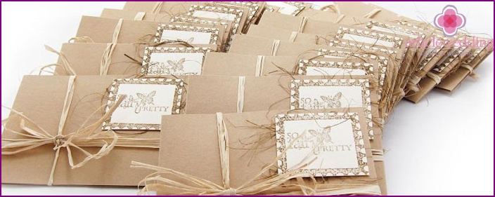 Invitations to the wedding in the style of scrapbooking