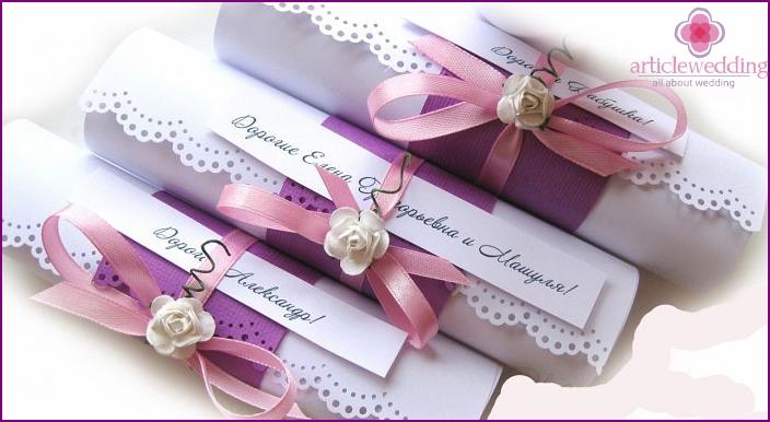 Decorative scrolls on wedding