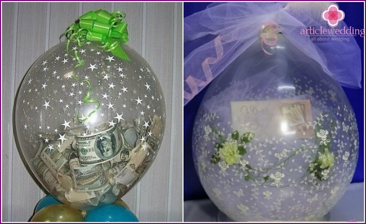 Transparent balloon with money