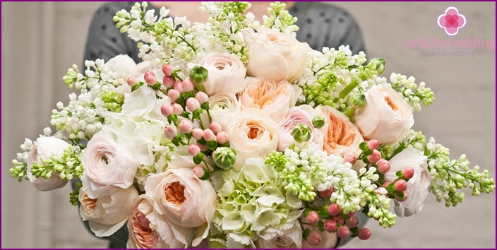 Flowers for the wedding from the guests