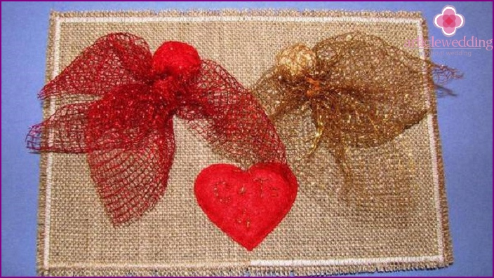 Decorative napkin on 4th anniversary
