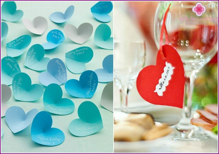 Card for seating guests in the form of heart