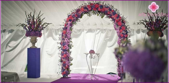 Arch with floral decoration