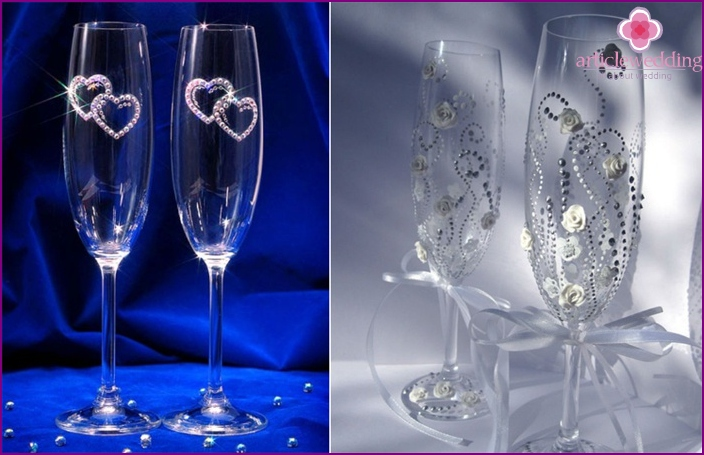 Wedding glasses with rhinestones with their hands