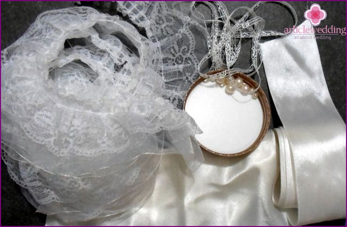 Materials for satin bridal accessories