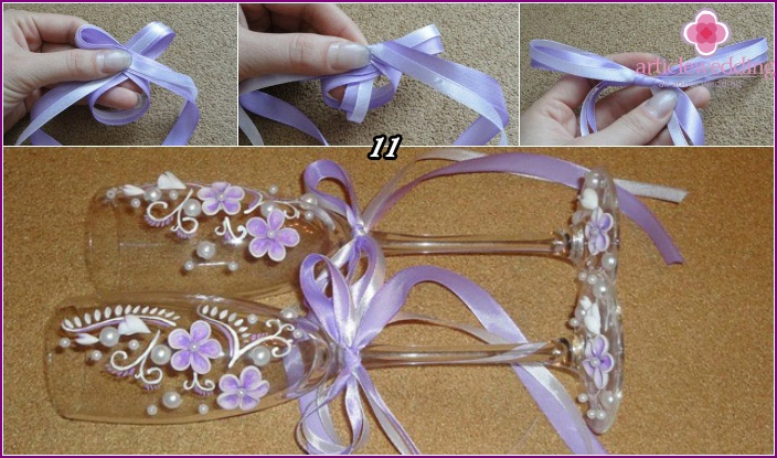 Wedding glasses decorated with ribbons