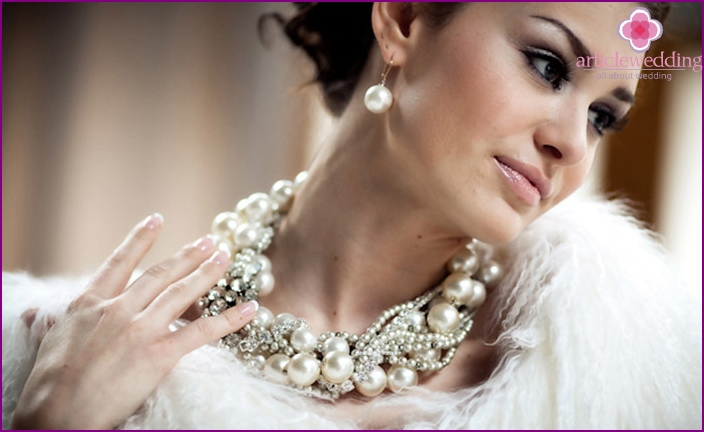 Pearls have always been important for wedding image