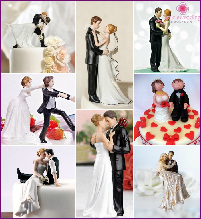 Figures of the bride and groom on the cake
