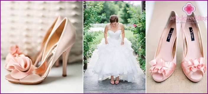 Pale pink sandals wedding