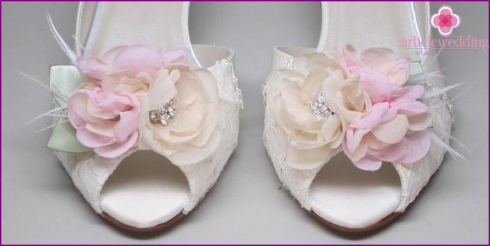 Sandals with flower