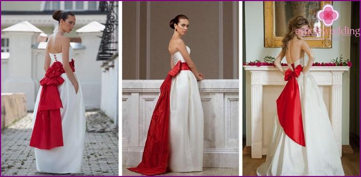c9ad182f2f87 Brudekjole med bue på bagsiden  de populære former og størrelser ...