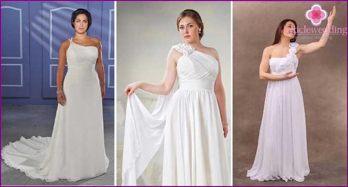 Wedding dress with one shoulder strap for full
